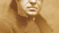 Aldo Palazzeschi in un ritratto fotografico di Mario Nunes Vais, 1914