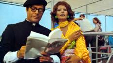 MOGLIE DEL PRETE, LA  YEAR: 1971 SOPHIA LOREN, MARCELLO MASTROIANNI  DIRECTOR: DINO RISI CINEMA, ITALY, FRANCE, MAN, WOMAN, COUPLE, PARRISH PRIEST, BOOK Moglie del prete, La (1971) Italy / France